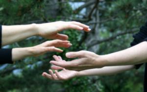 des mains sensibles